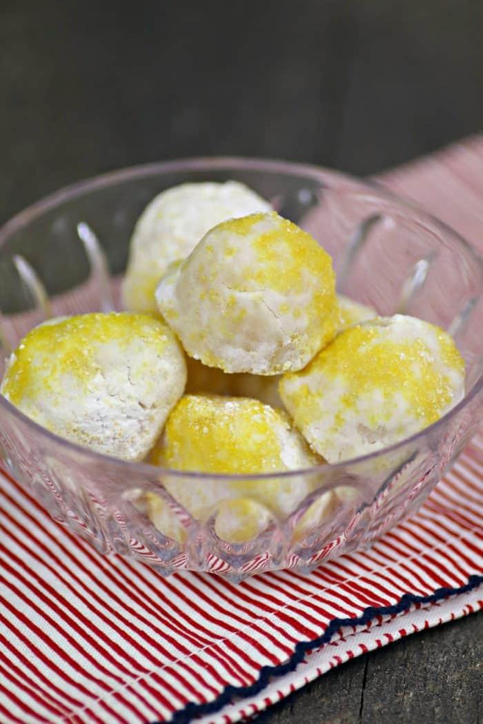 Easy Keto Lemon Cheesecake Balls